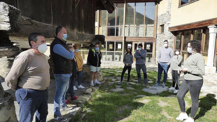 Crean una central de reservas para atraer turistas a Degaña