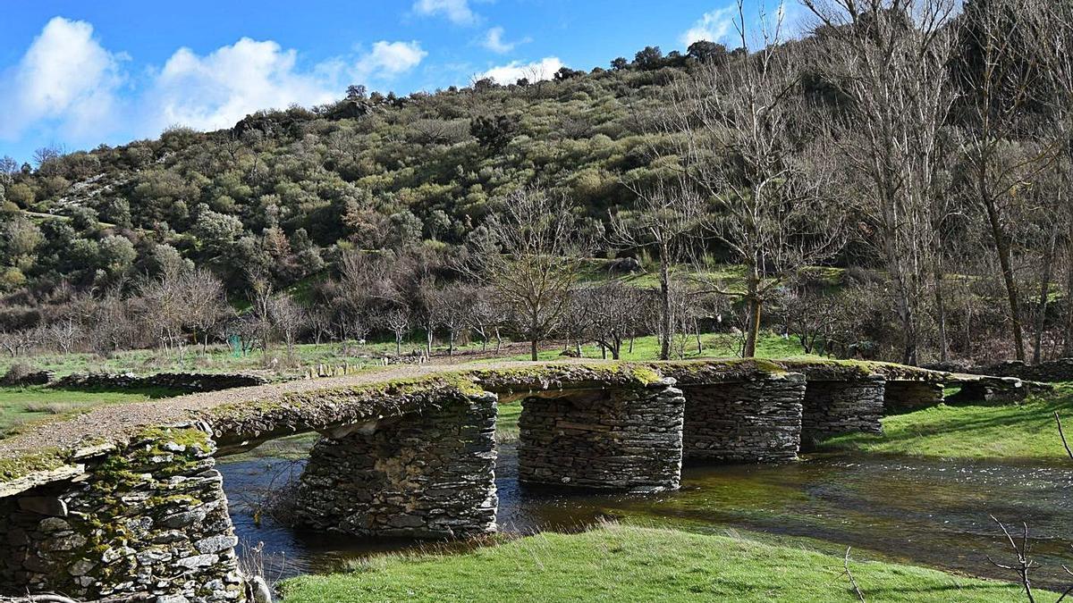Puente en la localidad de Fradellos. | Cedida