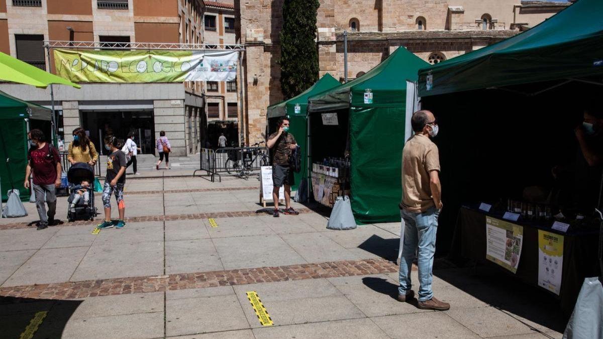 Una de las ediciones pasadas del mercado ecológico de Zamora.