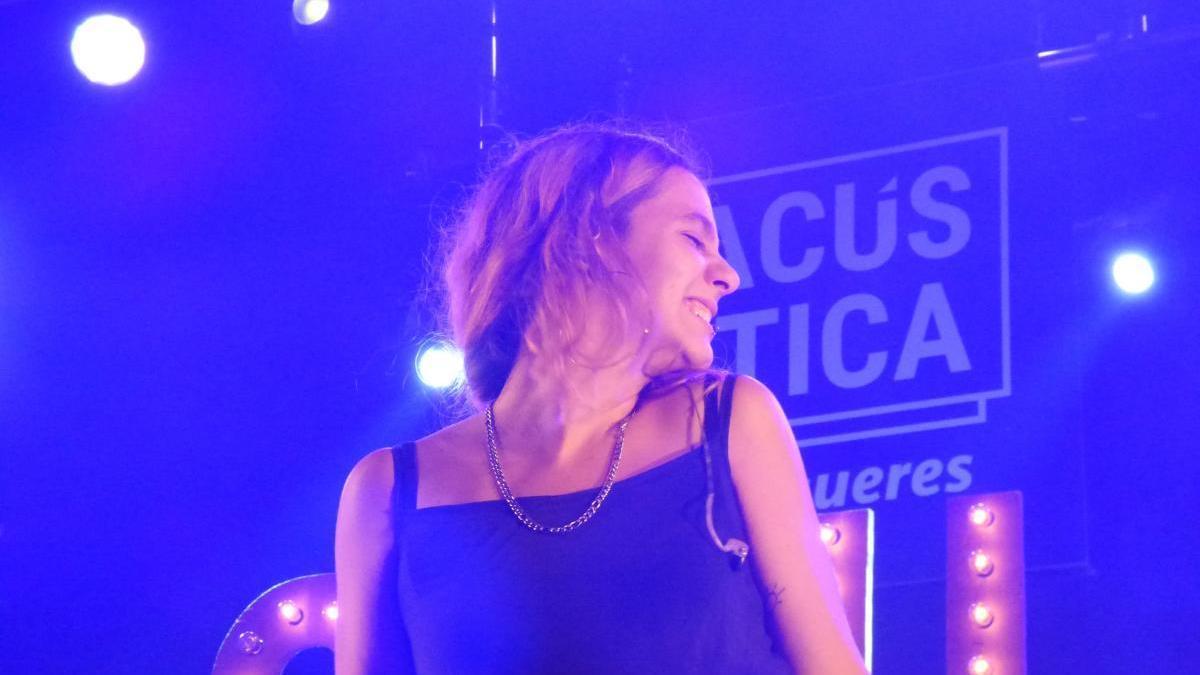Suu durant el concert del Festival Acústica de l'any passat