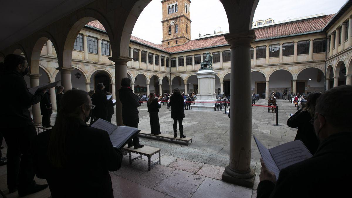 Claustro de la Universidad de Oviedo.