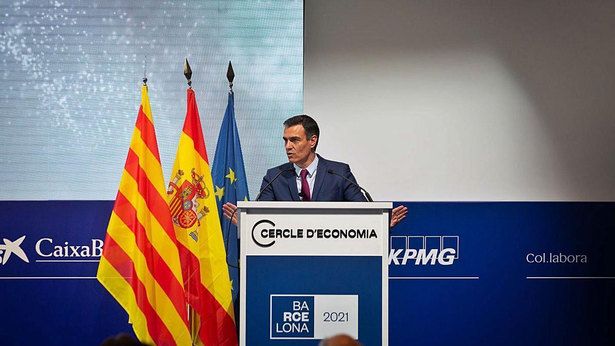 Pedro Sánchez durant la seva intervenció al Cercle d'Economia, ahir a Barcelona.    DAVID ZORRAKINO