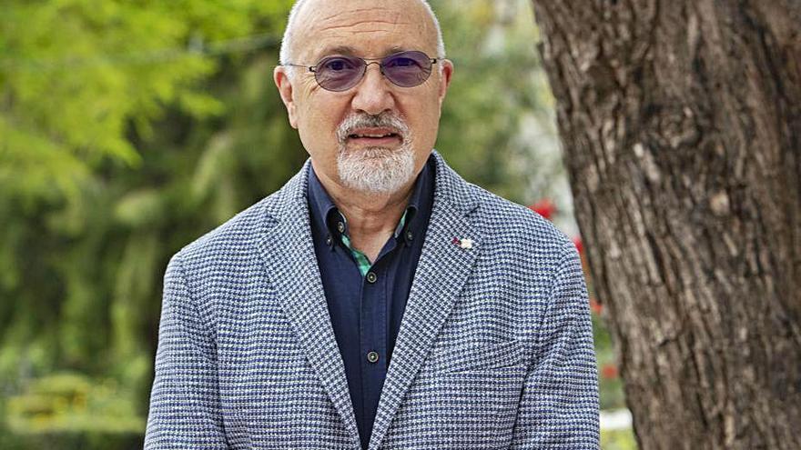 El investigador José V. Benavent valida un cuestionario para el autocuidado de infartados