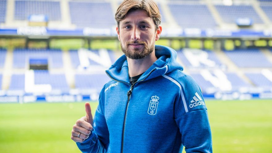 Oficial: Borja Valle regresa al Real Oviedo