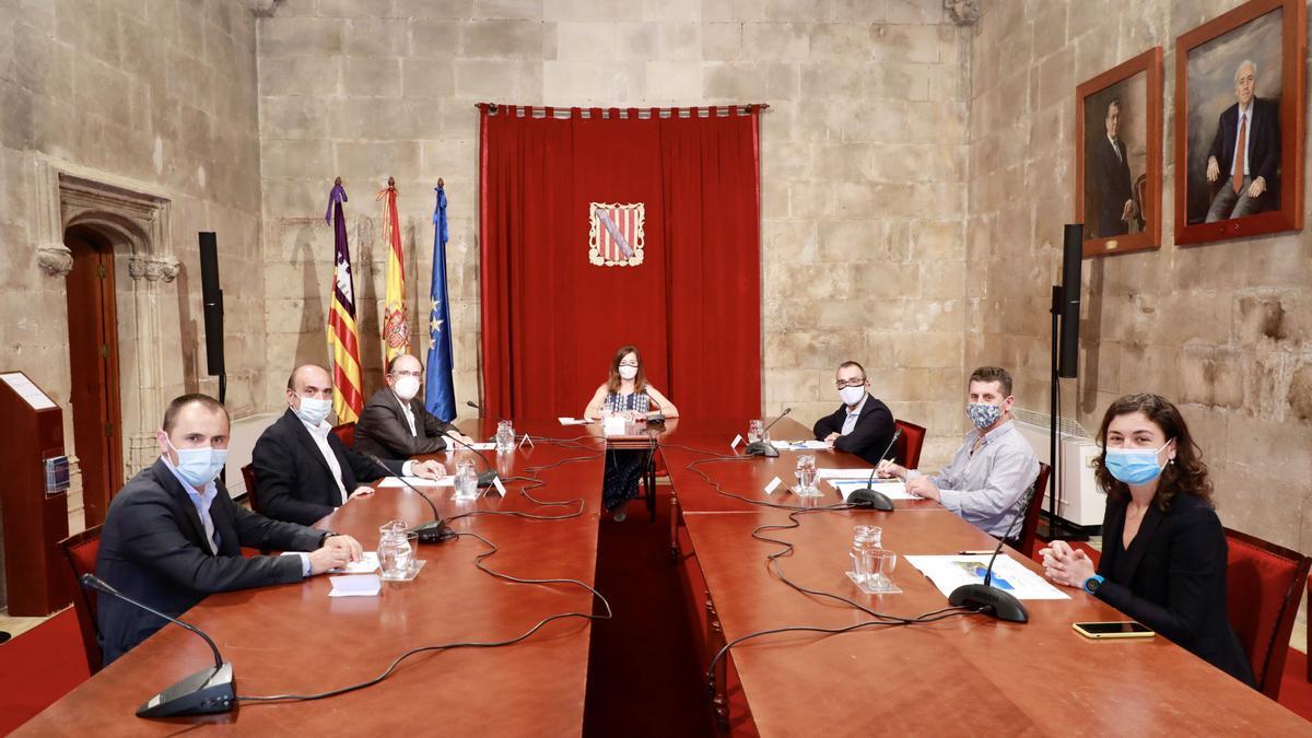 Imagen de la reunión de Armengol e Yllanes con los representantes de las multinacionales vinculadas al proyecto de la planta de hidrógeno de Lloseta, esta semana.