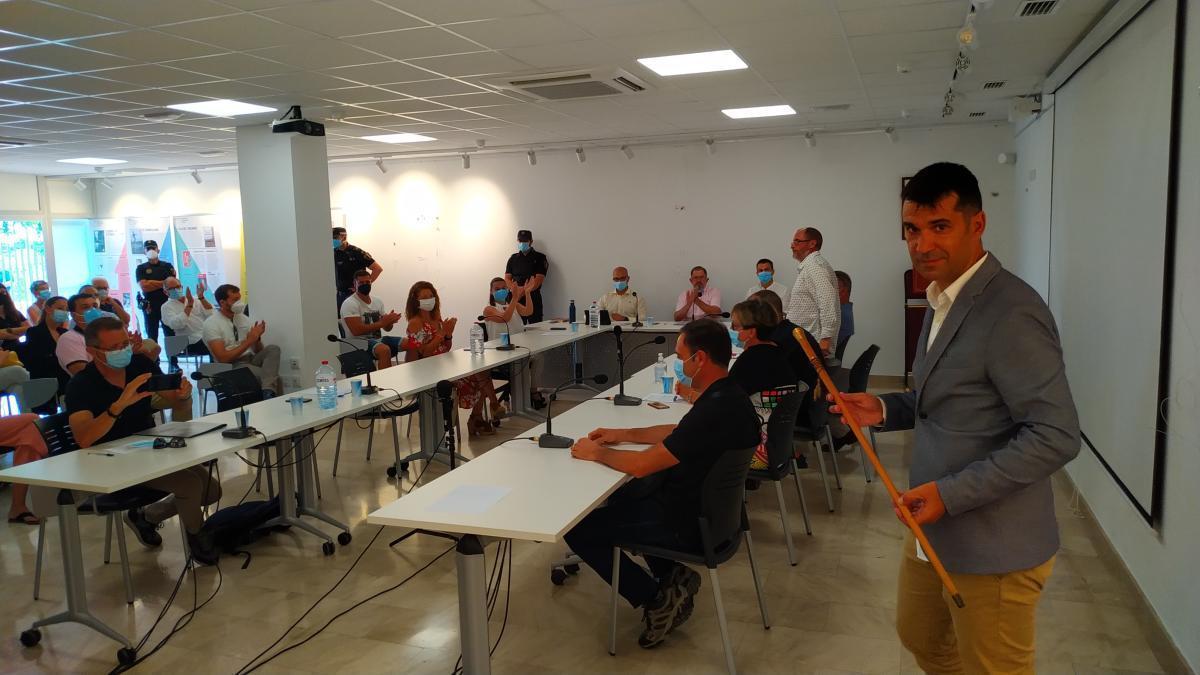 Ismael Gimeno, delante de Álvaro Montañés, nuevo alcalde de Massalfassar