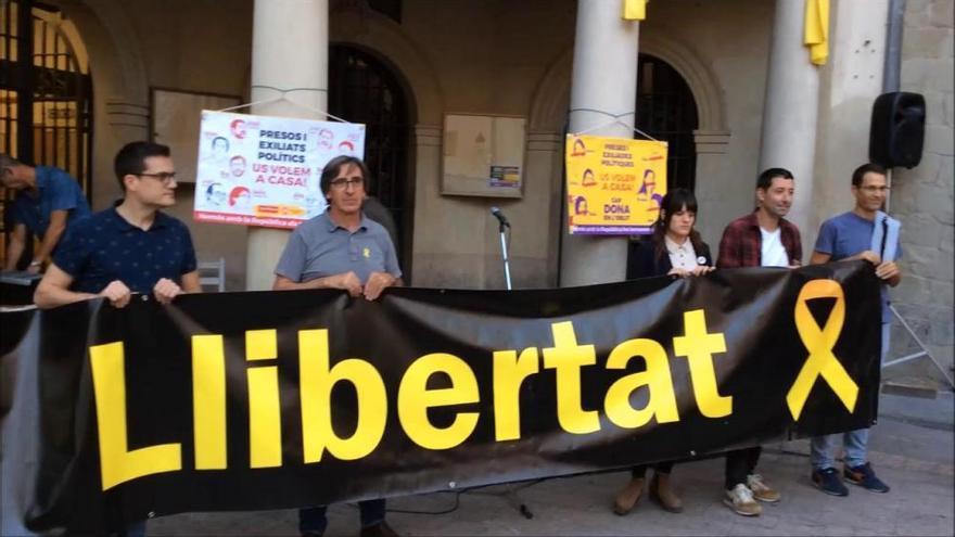 Concentració a Berga contra les detencions de 9 independentistes