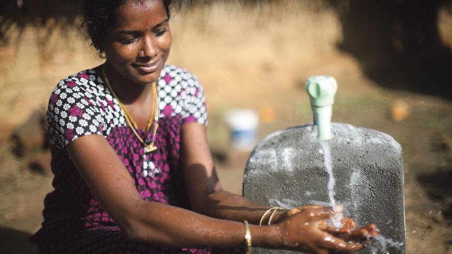 Microcréditos para acceder al agua potable y empoderar a las mujeres