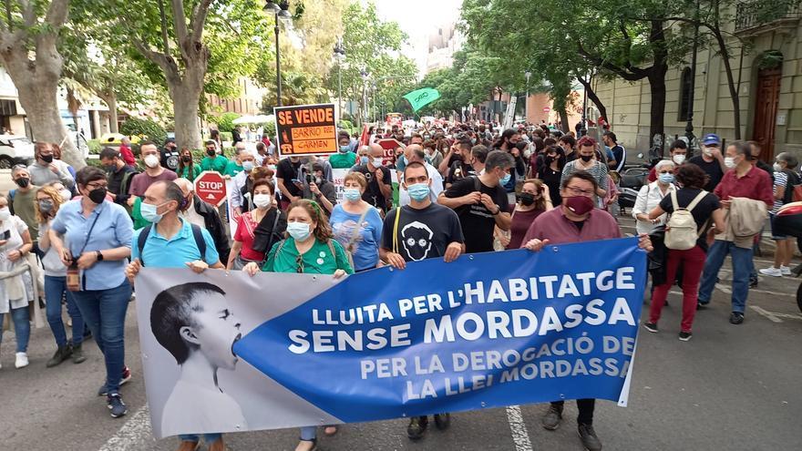 Decenas de valencianos se manifiestan contra la Ley Mordaza
