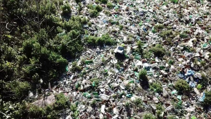 Greenpeace prangert Schmu mit Plastikmüll auf Mallorca an