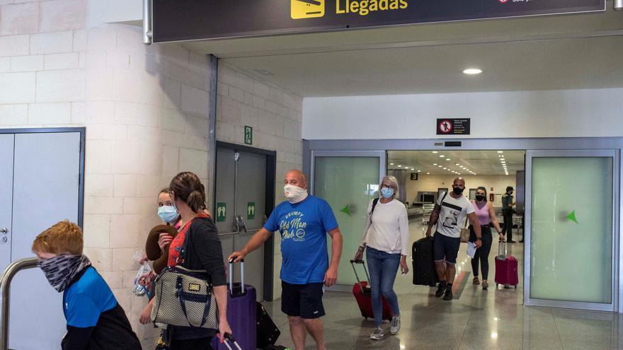 Reino Unido mantiene a España fuera de la lista de destinos seguros