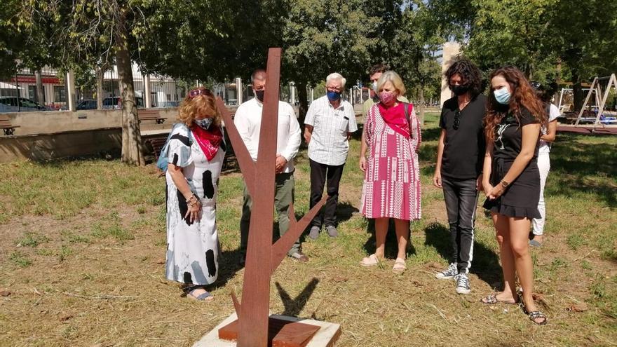 Inauguran un árbol de la memoria en el antiguo cementerio de Manacor