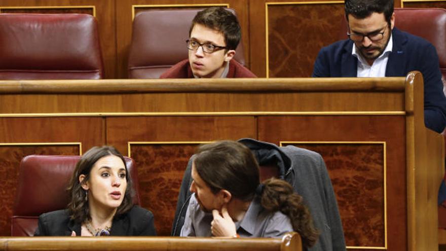 Iglesias relega a Errejón y manda a Tania Sánchez al gallinero del Congreso