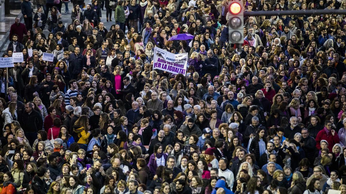 Multan con 800 € a las feministas acusadas de incidentes el 8M