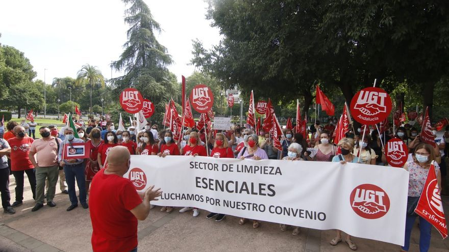 """UGT denuncia """"coacciones"""" a las limpiadoras en la segunda jornada de huelga del sector en Córdoba"""