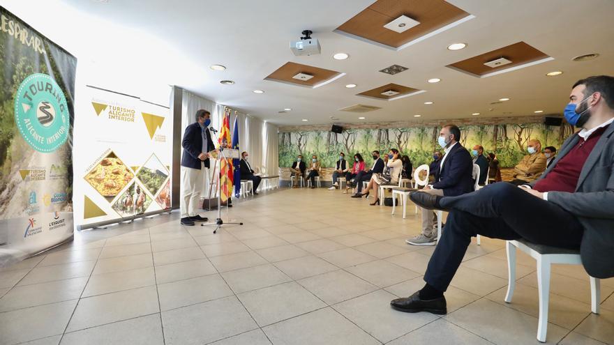 """Carlos Mazón: """"El eje del turismo de interior es fundamental para la promoción de nuestra provincia"""""""