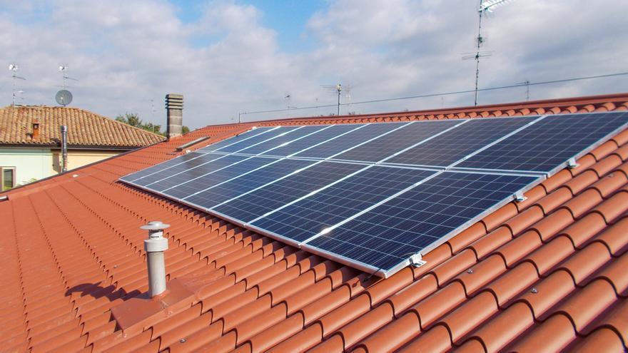 Instala placas solares en Extremadura sin poner un euro de tu bolsillo y empieza a ahorrar en tu factura gracias a la energía verde