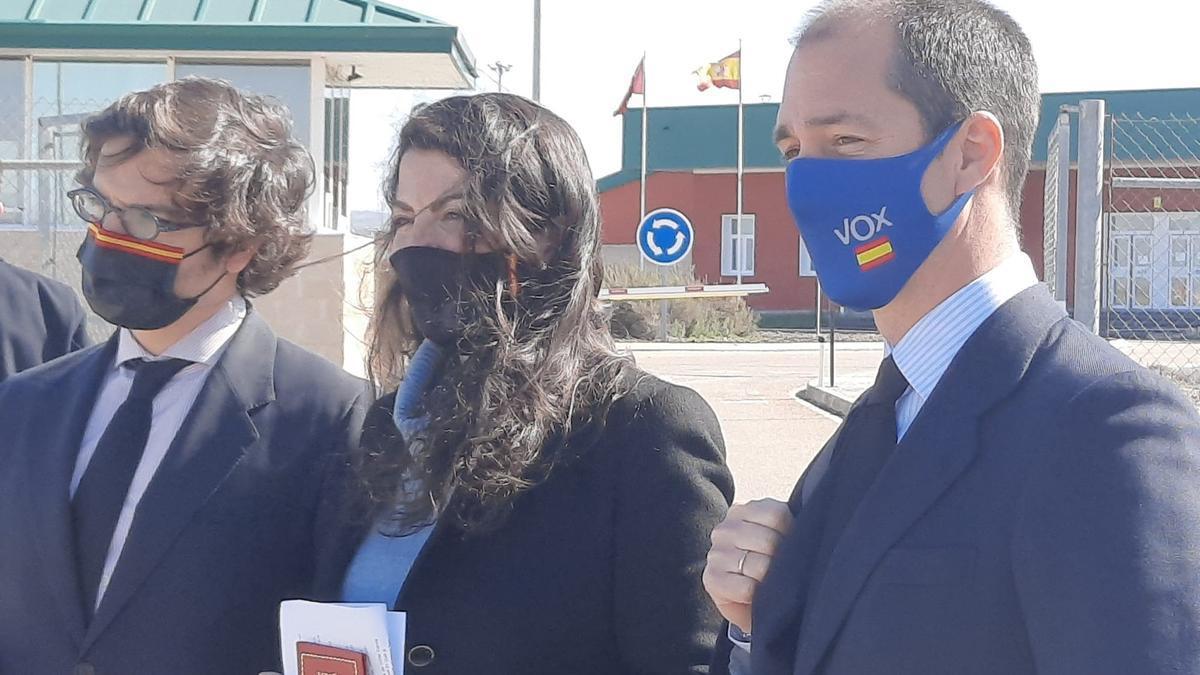 Macarena Olona, tras la visita a Villarejo en Estremera.