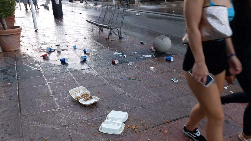Take-away-Läden in Magaluf sollen Müll und Dreck selbst entsorgen