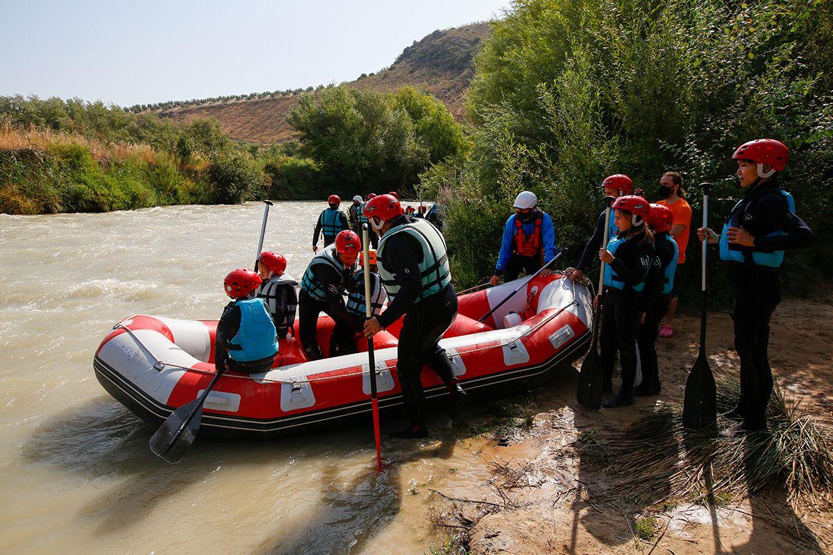 Disfruta del Río a golpe de remo. Rafting en el Río Genil