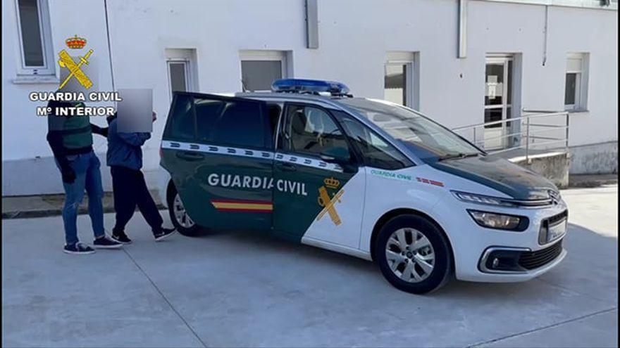 14 detenidos en Oleiros, Culleredo, Carballo y más concellos de A Coruña por estafar 140.000 euros al duplicar tarjetas SIM