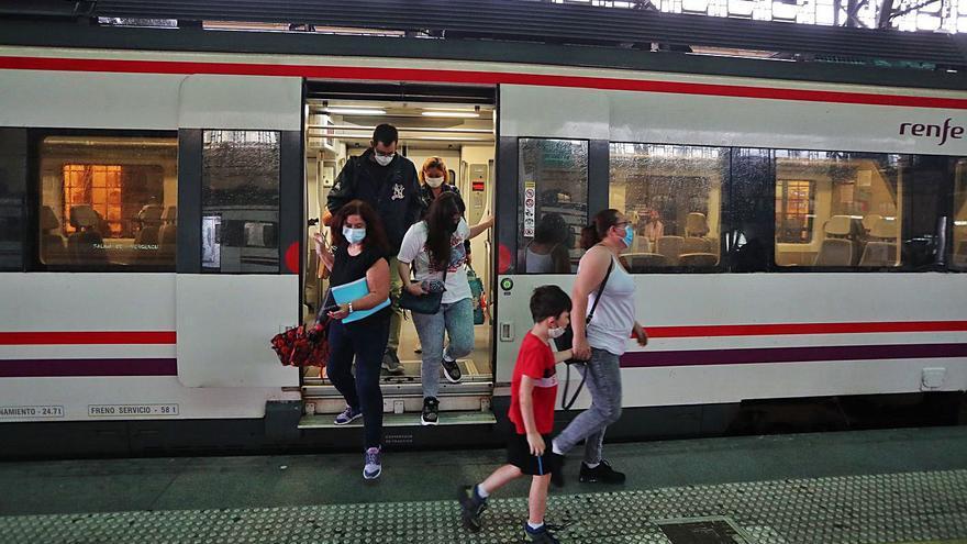 """""""Me multan con 800 euros por defender un tren de Cercanías digno"""""""