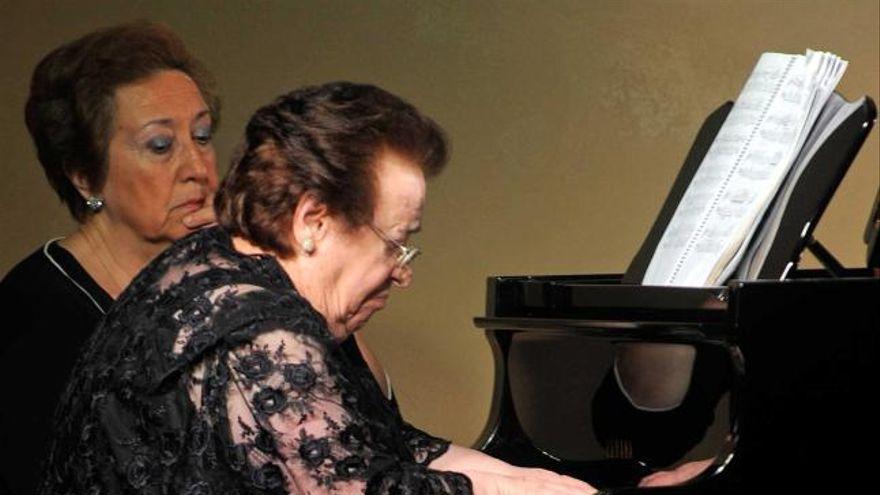 """""""Purita de la Riva, pianista"""", el libro sobre la concertista ovetense, esta tarde en el Club"""