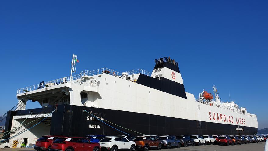 """Defensa """"tunea"""" en Vigo el buque Galicia"""