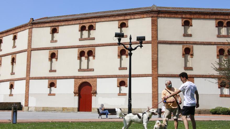 PSOE e IU plantean que el pleno se pronuncie sobre la reforma de la plaza de toros de El Bibio