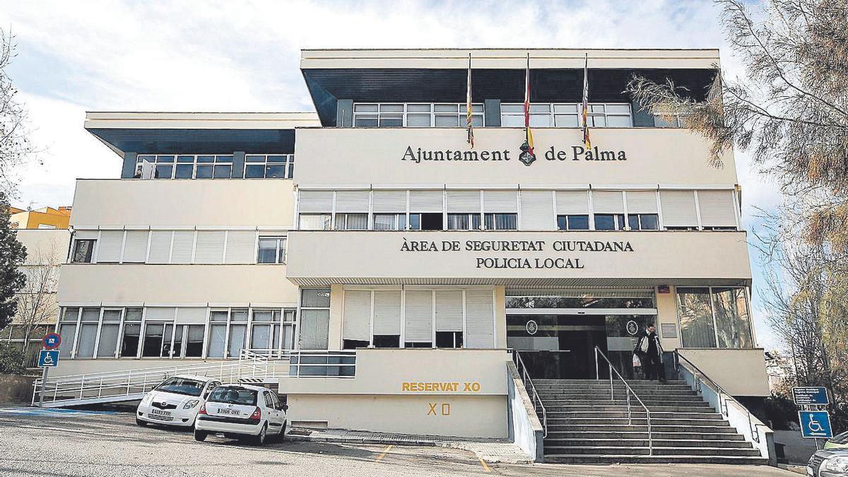 Exterior del cuartel de Sant Ferran, sede de la  Policía Local de Palma