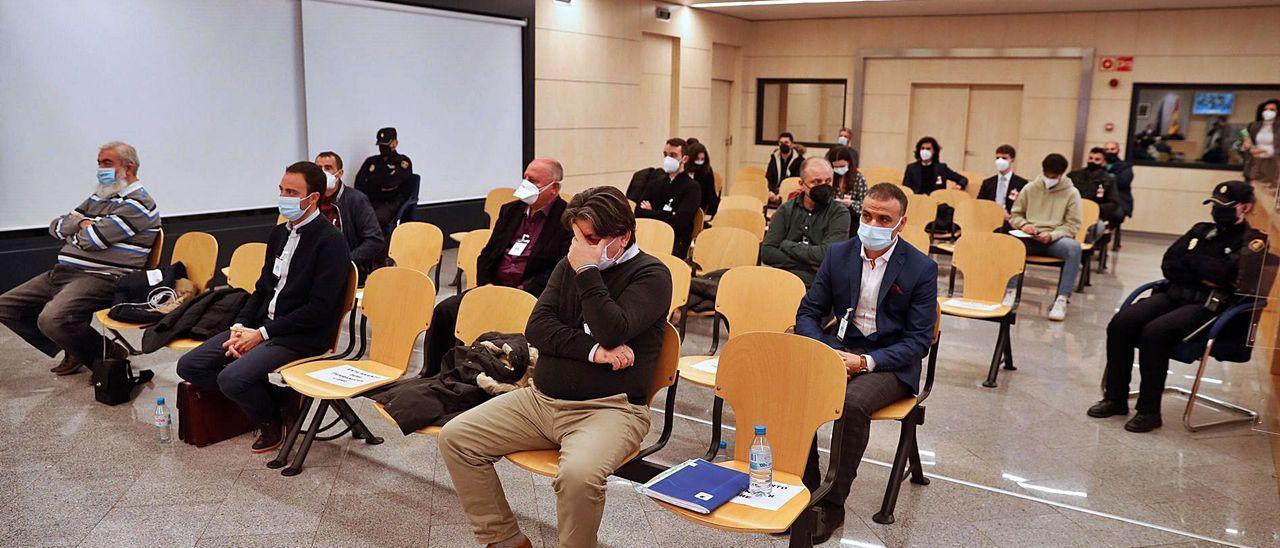 Imagen de los acusados en la primera sesión del juicio que se celebra en la Audiencia Nacional.