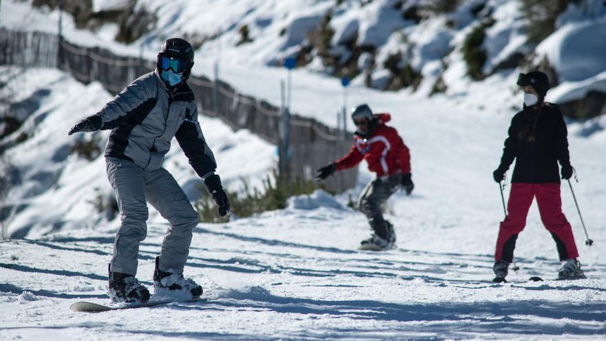 ¿Quién puede esquiar y cómo en Manzaneda?