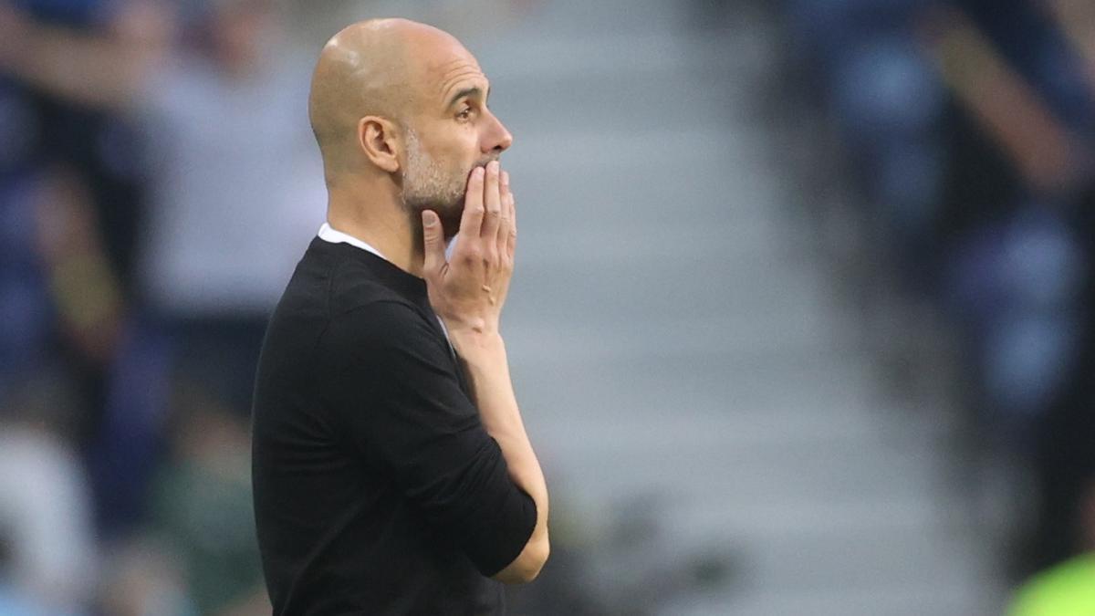 Pep Guardiola durant el partit d'aquest dissabte contra el Chelsea