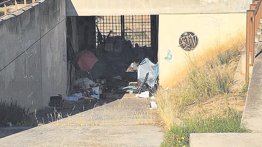 El Coll d'en Rabassa reclama intervenir en la Torre d'en Pau convertida en refugio de indigentes