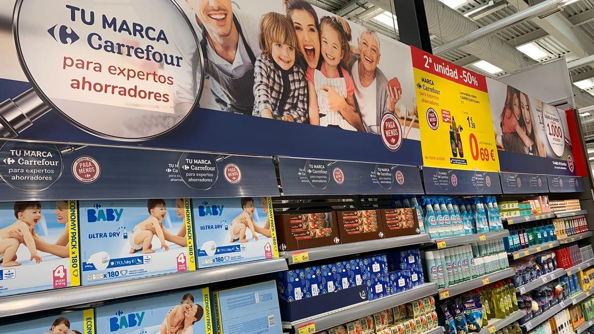 Carrefour baja en Tenerife el precio de más de 1.000 artículos