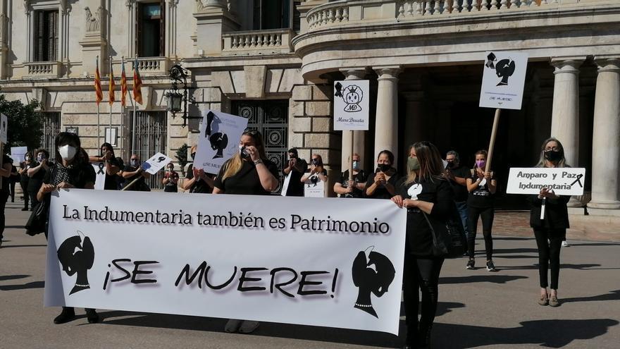 Manifestación de la indumentaria valenciana