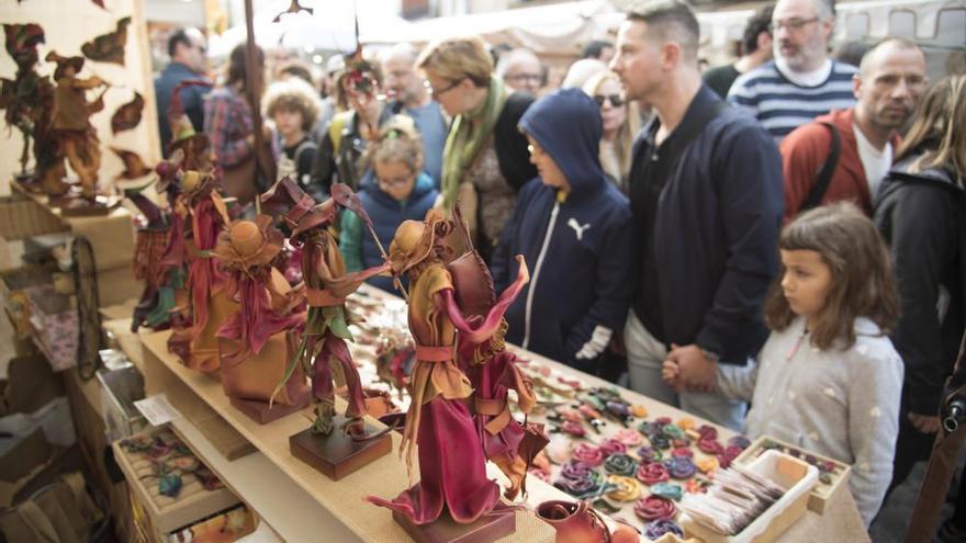 La Fira de les Bruixes de Sant Feliu torna dilluns amb parades i actuacions en dos espais diferenciats