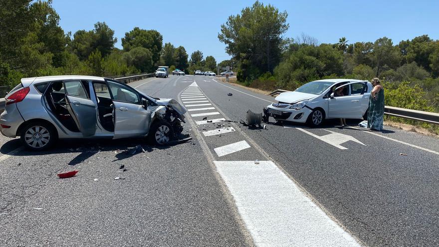 Un nuevo accidente en la carretera de Cap Blanc causa un colosal atasco