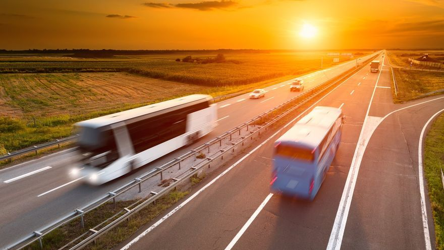 Las empresas de transporte de viajeros de Málaga ofrecen sus autobuses para cooperar en la vacunación