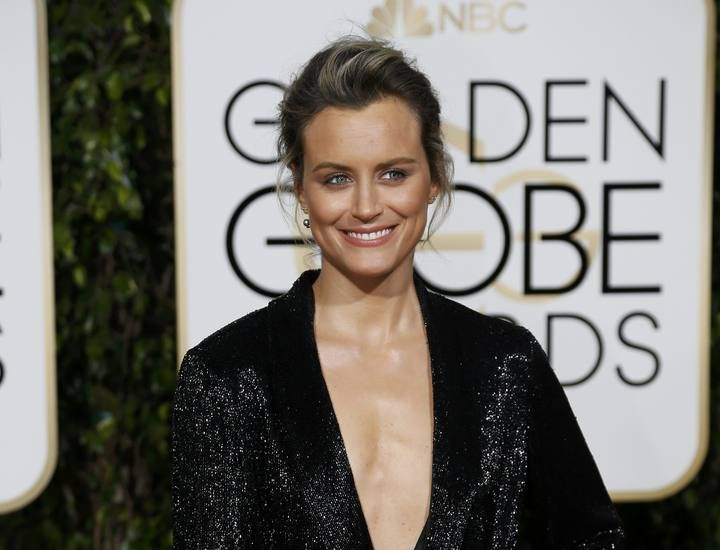 Taylor Schilling arrives at the 73rd Golden Globe Awards in Beverly Hills