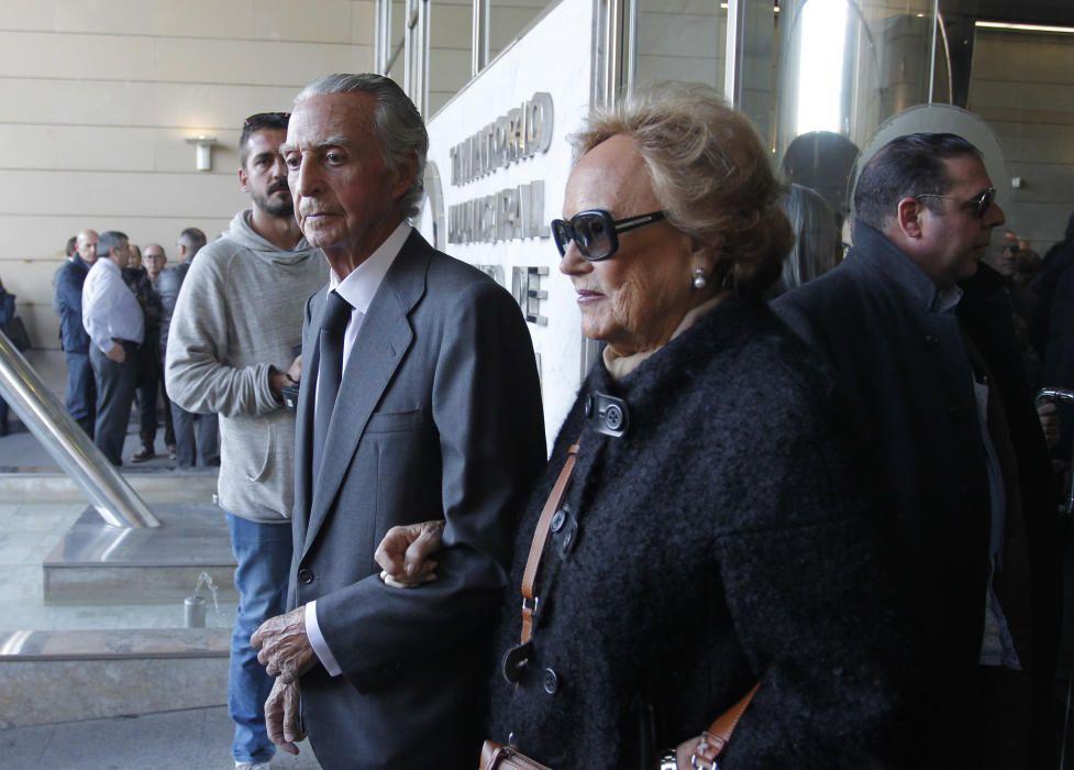Familiares y amigos de Rita Barberá, a su llegada al tanatorio