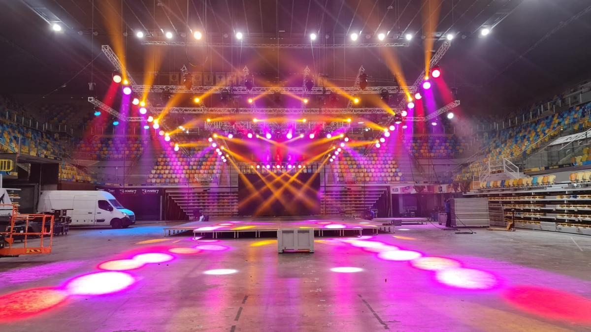 Montaje del programa en el Gran Canaria Arena