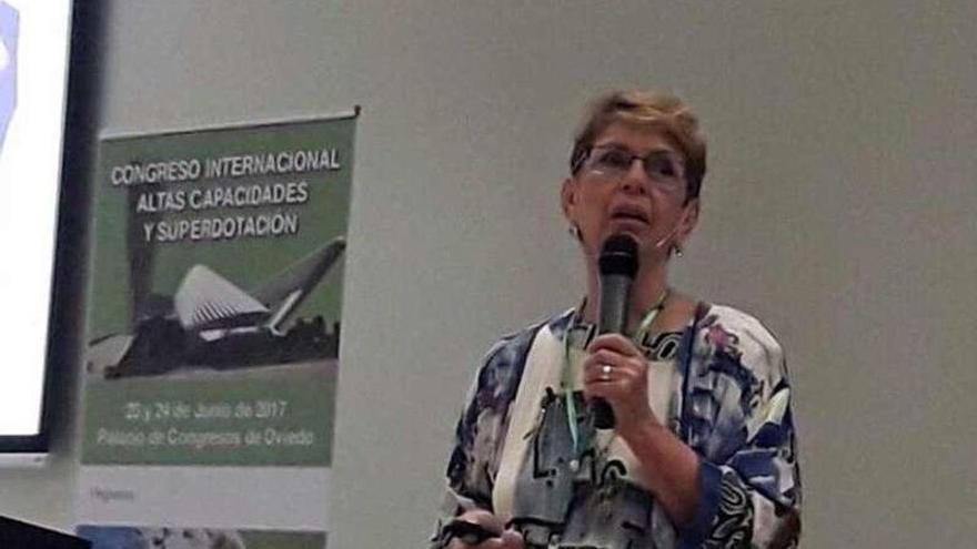 La experta Linda Silverman, en las ponencias sobre superdotación de la Asociación Enol