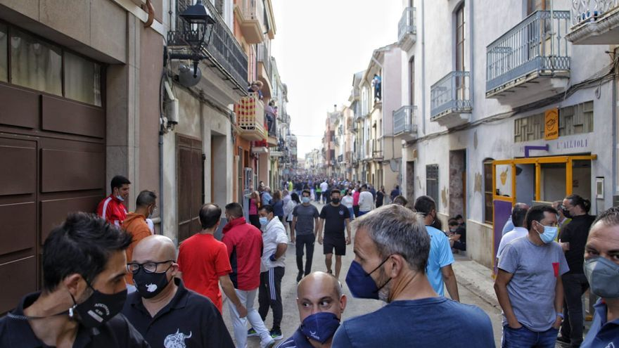 Directo | Almassora hace realidad el regreso de encierros de 'bous al carrer' a Castellón