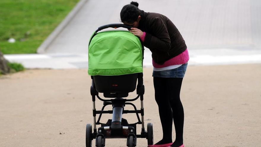 Un carrito de bebé.