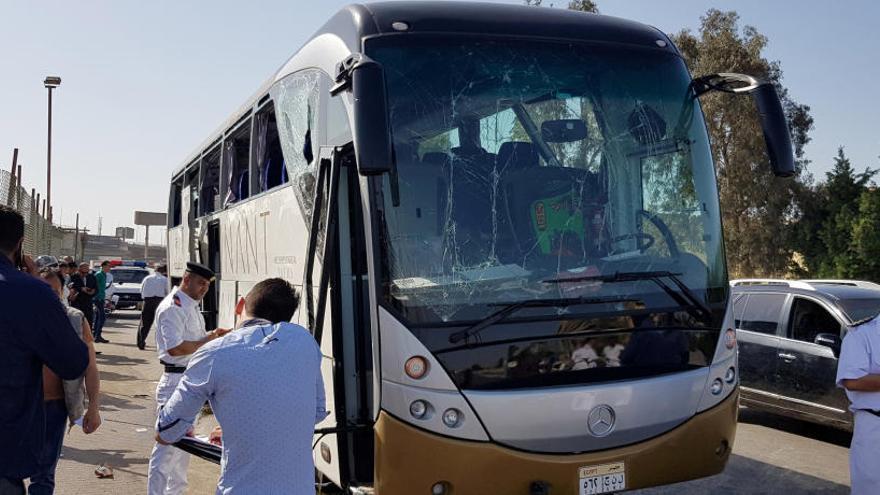 Una explosión en Egipto junto a un autobús de turistas deja varios heridos leves