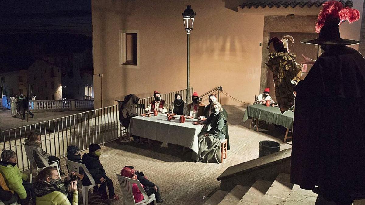 L'espectacle de carrer dels Pastorets de Berga manté l'essència i sedueix el públic