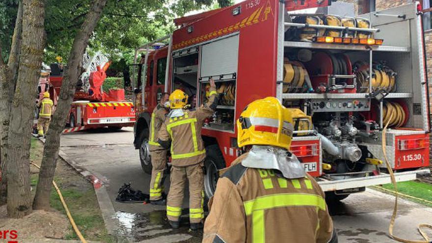 Desallotgen una trentena de persones en un incendi a un hotel de Fontanals de Cerdanya