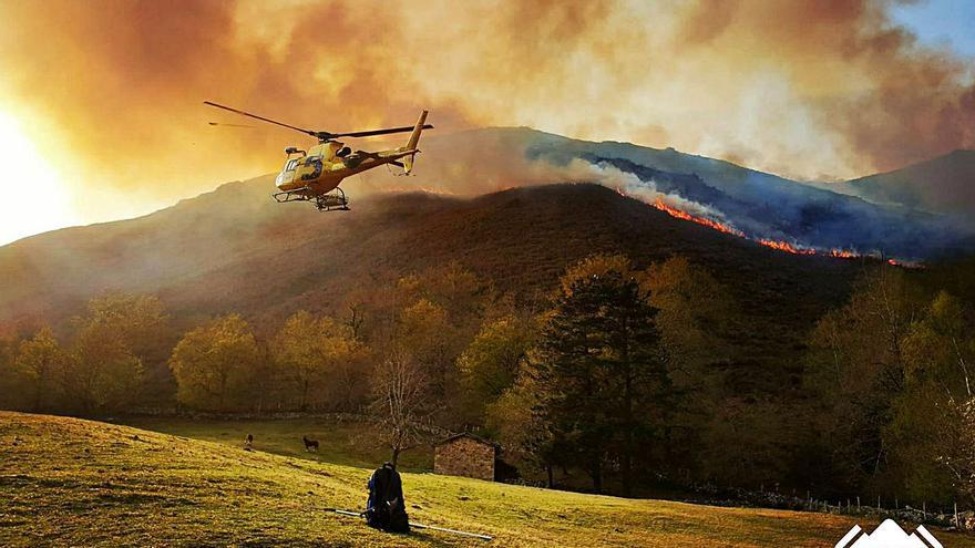 Asturias suma ya más de 850 incendios este año, sobre todo en febrero y marzo