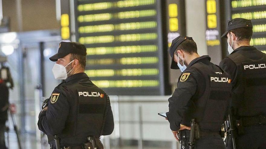 La Policía frena en Canarias la llegada de migrantes a la Comunidad Valenciana